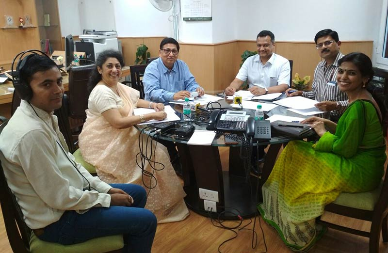 (Left to Right) Ms Asheema Singh from NIOS interacting with Sr DEC Mr Umesh Sinha, DEC Mr. Sudeep Jain and Nikhil Kumar, Director who gave listeners helpful insights on Electronic Voting Machine.jpg