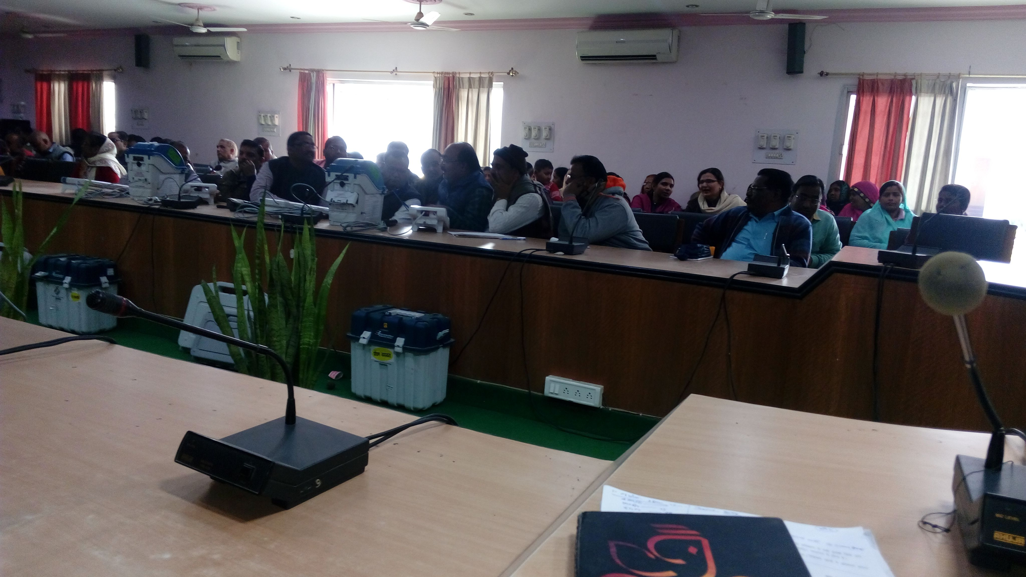 18-12-2018 Training of EVM/VVPat at Collectrate to Inter College Principals.