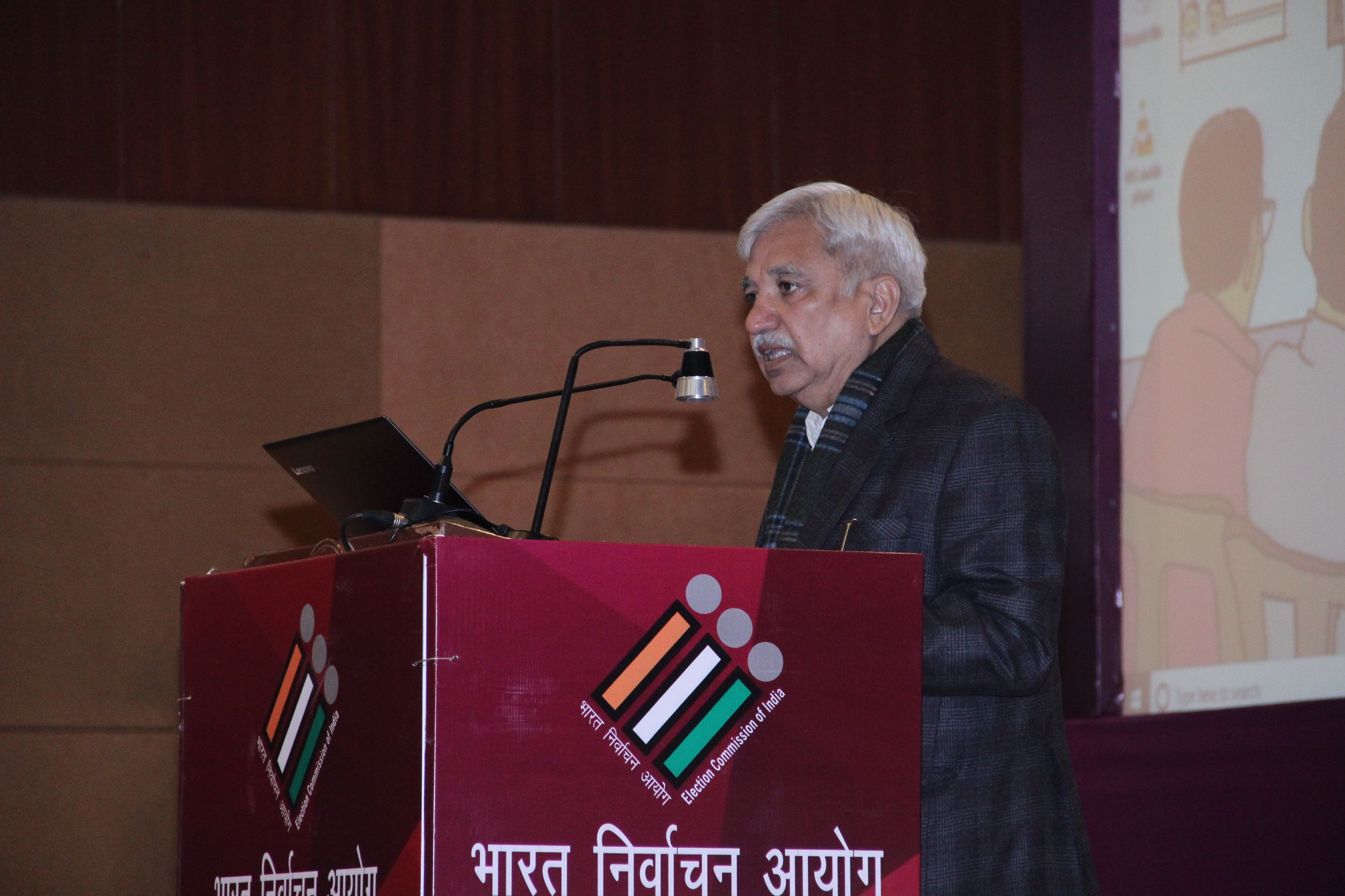 Shri Sunil Arora, CEC addressing the Officers from Ministries and Federations
