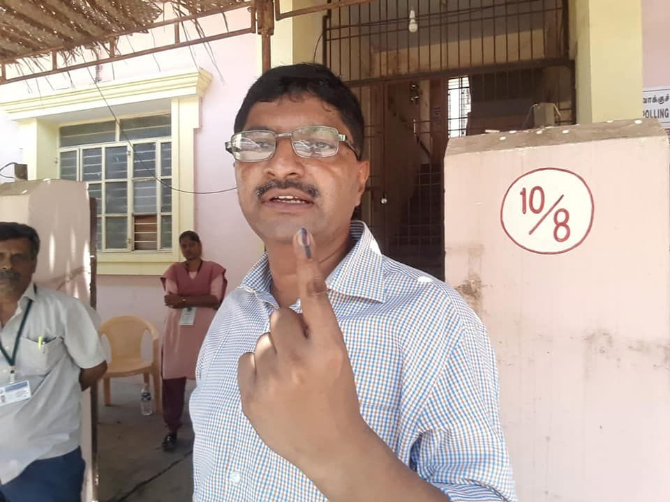 State Nodal Officer - SVEEP Casts his vote at Kamaraj Nagar Constituency 6
