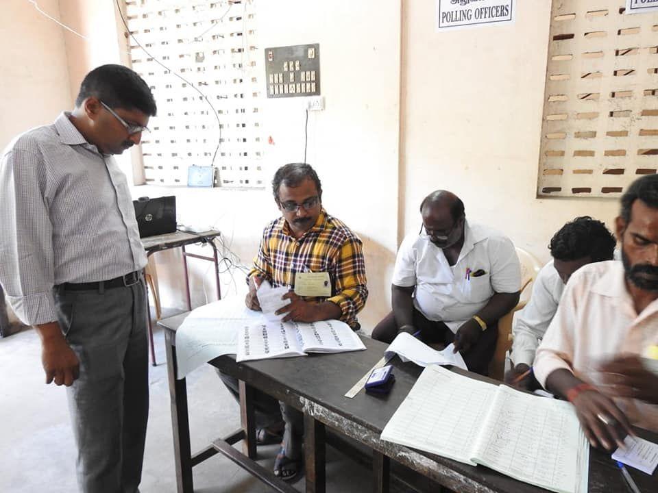 State Nodal Officer - SVEEP Casts his vote at Kamaraj Nagar Constituency 2.jpg