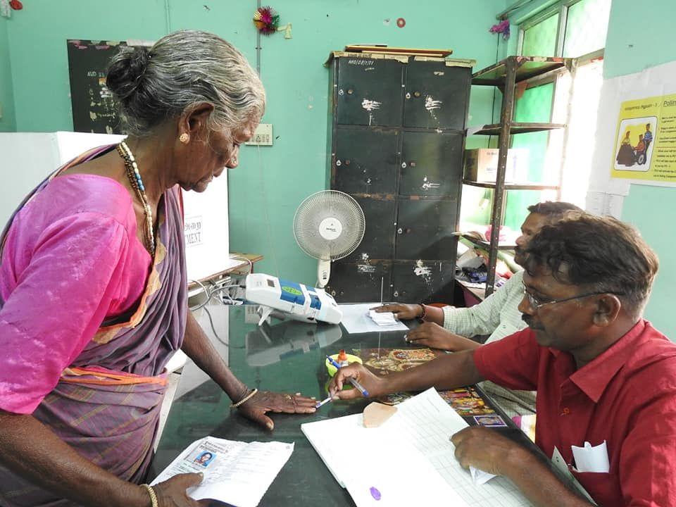 Snapshots of Polling at Thattanchavady Constituency-2, Pondicherry  10.jpg