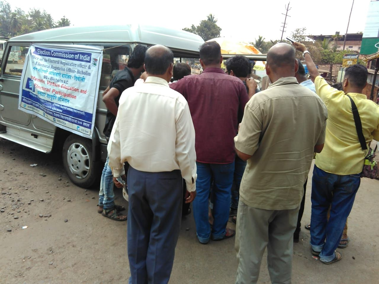 EVM/VVPAT demonstration and Voter Awarness (Ethical voting) along with Rickshaw Drivers Motorcycle Pilots at Bicholim Bus Stand.