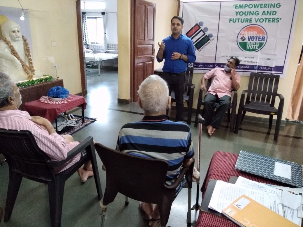 •	Shri Pravinjay Pandit Mamlatdar of Bicholim Taluka and AERO of 03 Bicholim A.C conducted awareness programme in respect of Enrollment procedures etc at Old Age Home Bicholim for persons with Disabilities and requested the citizens to submit the claims e