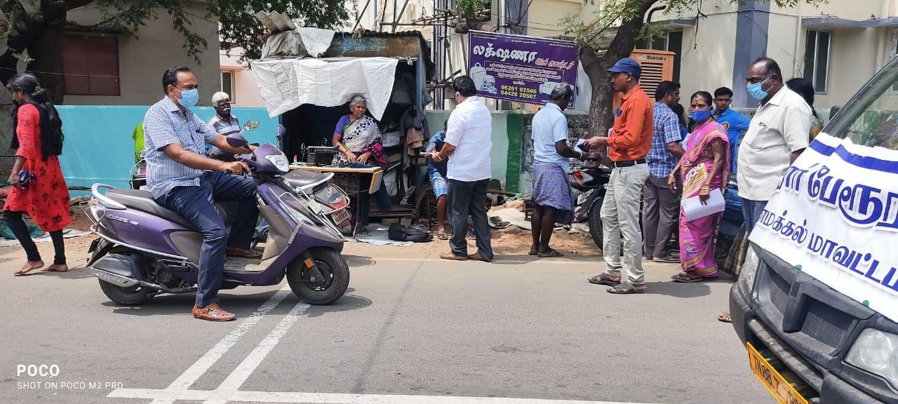 TNLA2021 - 95 Paramathi Velur - Issuing of awareness notice in less polling areas - Velur Town Panchayat - On 25.03.2021 (15).jpeg